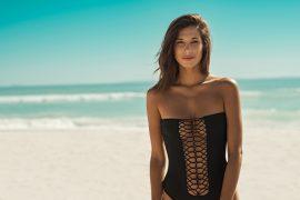 Fique por dentro de 16 tendências da moda praia em 2019
